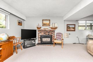 """Photo 17: 13048 MARINE Drive in Surrey: Crescent Bch Ocean Pk. House for sale in """"OCEAN PARK"""" (South Surrey White Rock)  : MLS®# R2616600"""