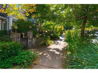 """Photo 3: 2626 YUKON Street in Vancouver: Mount Pleasant VW Condo for sale in """"TURNBULL'S WATCH"""" (Vancouver West)  : MLS®# V1085425"""