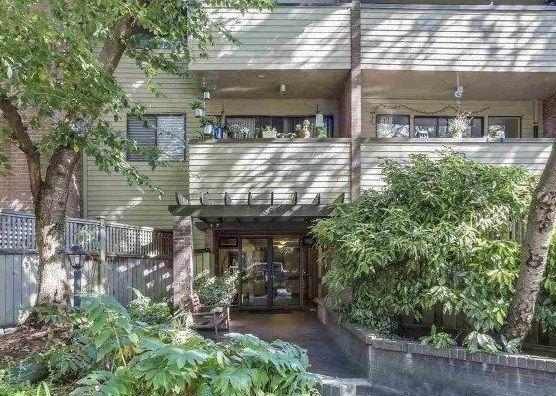 """Main Photo: 101 853 E 7TH Avenue in Vancouver: Mount Pleasant VE Condo for sale in """"Vista Villa"""" (Vancouver East)  : MLS®# R2282070"""