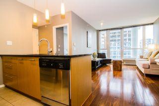 Photo 3: 901 834 Johnson St in : Vi Downtown Condo for sale (Victoria)  : MLS®# 862064