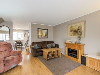 Photo 4: 4656 RAVINE Street in Vancouver: Collingwood VE House for sale (Vancouver East)  : MLS®# R2107811