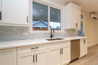Photo 18: 1030 Sandalwood Crt in VICTORIA: La Luxton House for sale (Langford)  : MLS®# 830534