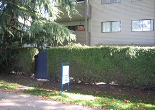 """Photo 1: 1424 WALNUT Street in Vancouver: Kitsilano Condo for sale in """"WALNUT PLACE"""" (Vancouver West)  : MLS®# V614832"""