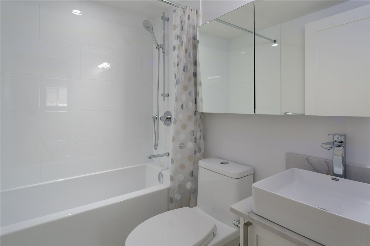 Photo 13: Photos: 5051 SHERBROOKE Street in Vancouver: Knight House for sale (Vancouver East)  : MLS®# R2516247
