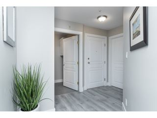 """Photo 4: 406 20288 54 Avenue in Langley: Langley City Condo for sale in """"Langley City"""" : MLS®# R2432392"""