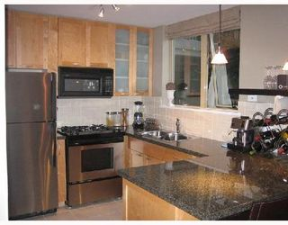 Photo 3: TH6 989 RICHARDS Street in Vancouver West: Downtown VW Home for sale ()  : MLS®# V658985