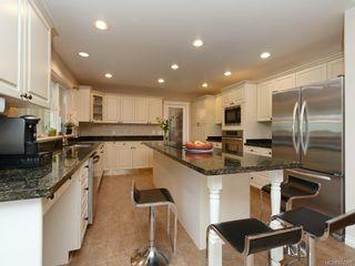 Photo 9: 4385 Wildflower Lane in : SE Broadmead House for sale (Saanich East)  : MLS®# 872387
