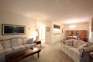 Photo 4: 216 1441 GARDEN PLACE in Delta: Cliff Drive Condo for sale (Tsawwassen)  : MLS®# R2430768