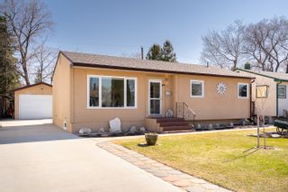 Photo 1: 35 Agate Bay in Winnipeg: Windsor Park House for sale (2G)  : MLS®# 202109095
