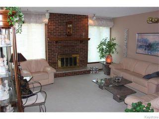Photo 4: 825 Kilkenny Drive in Winnipeg: Fort Richmond Residential for sale (1K)  : MLS®# 1623586