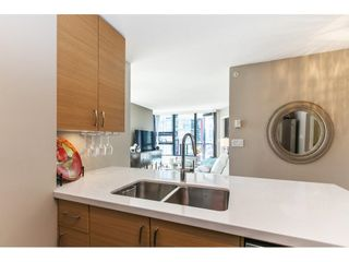 """Photo 7: 1301 928 HOMER Street in Vancouver: Yaletown Condo for sale in """"Yaletown Park 1"""" (Vancouver West)  : MLS®# R2605700"""