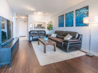 Photo 3: 1708 5380 OBEN STREET in Vancouver: Collingwood VE Condo for sale (Vancouver East)  : MLS®# R2445259