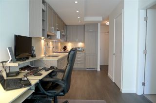 """Photo 5: 308 5515 BOUNDARY Road in Vancouver: Collingwood VE Condo for sale in """"WALL CENTRE CENTRAL PARK"""" (Vancouver East)  : MLS®# R2184017"""