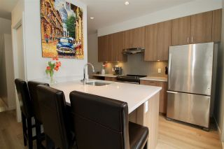"""Photo 2: 7 1188 WILSON Crescent in Squamish: Downtown SQ Townhouse for sale in """"Current"""" : MLS®# R2147164"""