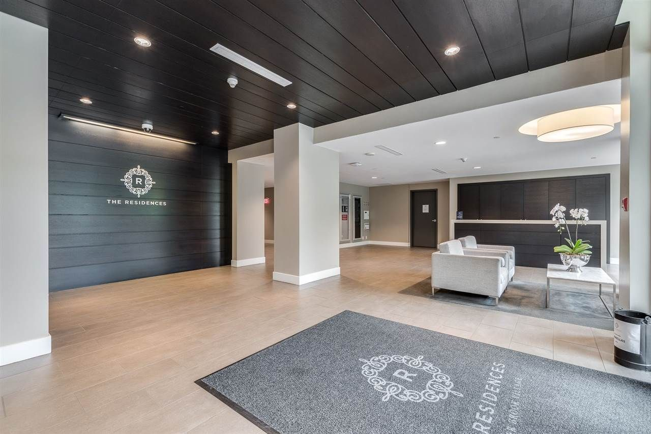 """Photo 3: Photos: 204 301 CAPILANO Road in Port Moody: Port Moody Centre Condo for sale in """"The Residences"""" : MLS®# R2474301"""
