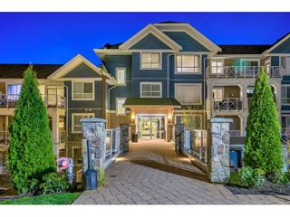 """Photo 2: 105 16380 64 Avenue in Surrey: Cloverdale BC Condo for sale in """"The Ridgse and Bose Farms"""" (Cloverdale)  : MLS®# R2556734"""