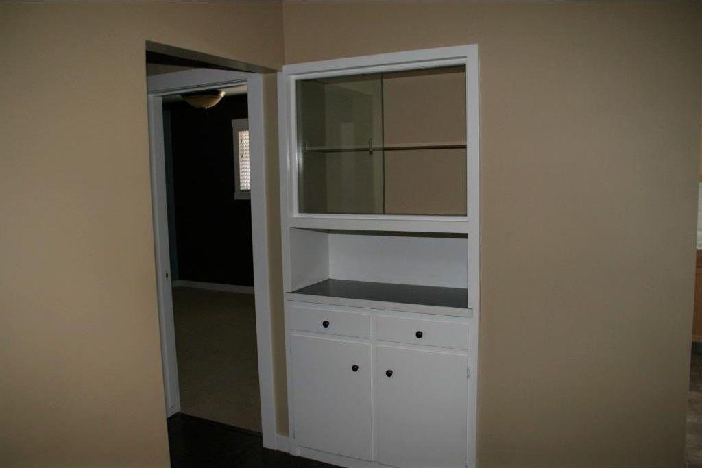 Photo 7: Photos: 5304 & 5306 7 Avenue SW in Calgary: Westgate Multi Unit for sale : MLS®# C4150515