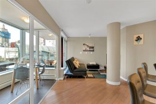 Photo 2: 806 58 KEEFER PLACE in Vancouver: Downtown VW Condo for sale (Vancouver West)  : MLS®# R2609426