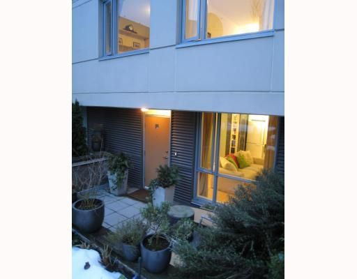"Main Photo: 2725 Prince Edward St. in Vancouver: Townhouse for sale in ""The Uno"" : MLS®# V747665"