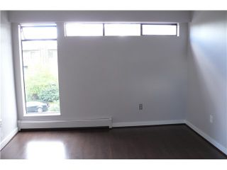 """Photo 3: 305 2885 SPRUCE Street in Vancouver: Fairview VW Condo  in """"FAIRVIEW GARDENS"""" (Vancouver West)  : MLS®# V1104941"""