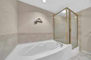 """Photo 18: 302 1144 STRATHAVEN Drive in North Vancouver: Northlands Condo for sale in """"Strathaven"""" : MLS®# R2464031"""