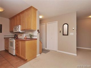 Photo 11: 207 420 Parry Street in VICTORIA: Vi James Bay Residential for sale (Victoria)  : MLS®# 332096