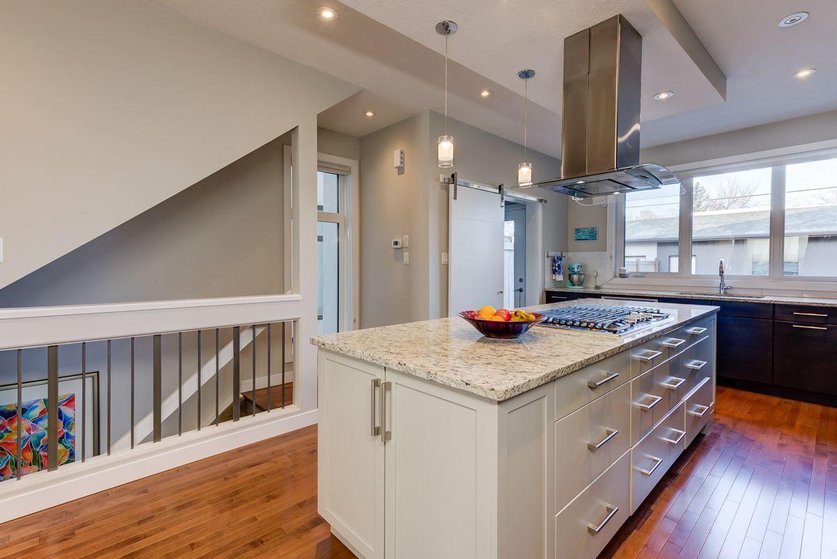 Photo 13: Photos: 11046 131 Street in Edmonton: Zone 07 House for sale : MLS®# E4235599