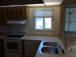 """Photo 11: 29 2120 KING GEORGE Boulevard in Surrey: King George Corridor Manufactured Home for sale in """"Five Oaks Park"""" (South Surrey White Rock)  : MLS®# R2485760"""