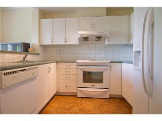 """Photo 4: 4 3033 TERRAVISTA Place in Port Moody: Port Moody Centre Townhouse for sale in """"GLENMORE"""" : MLS®# V896446"""
