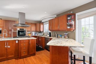 Photo 7: 4612 Royal Wood Crt in : SE Broadmead House for sale (Saanich East)  : MLS®# 872790