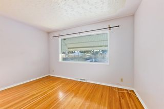 Photo 6: 1028 / 1026 39 Avenue NW in Calgary: Cambrian Heights Duplex for sale : MLS®# A1050074