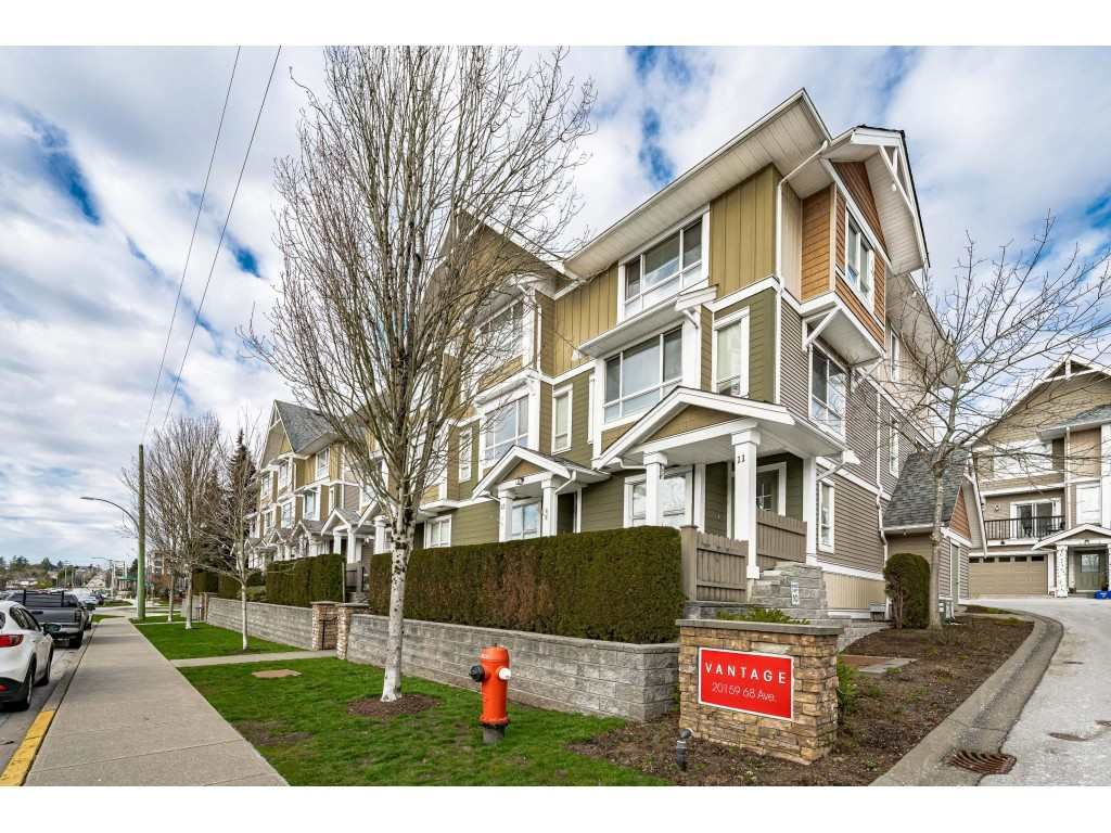 """Main Photo: 27 20159 68 Avenue in Langley: Willoughby Heights Townhouse for sale in """"Vantage"""" : MLS®# R2539068"""