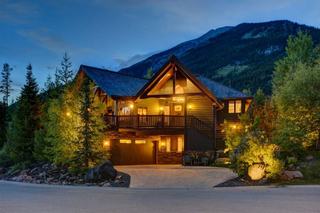 Main Photo: 638 Silvertip Road SW: Canmore Detached for sale : MLS®# A1087020