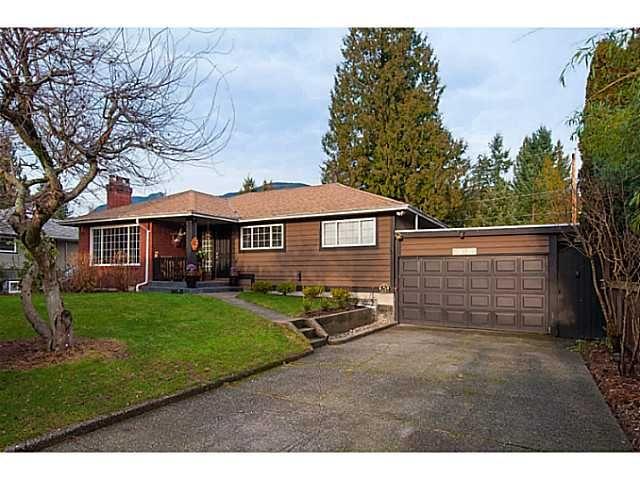 Main Photo: 2868 EDGEMONT BV in North Vancouver: Edgemont House for sale : MLS®# V1101226