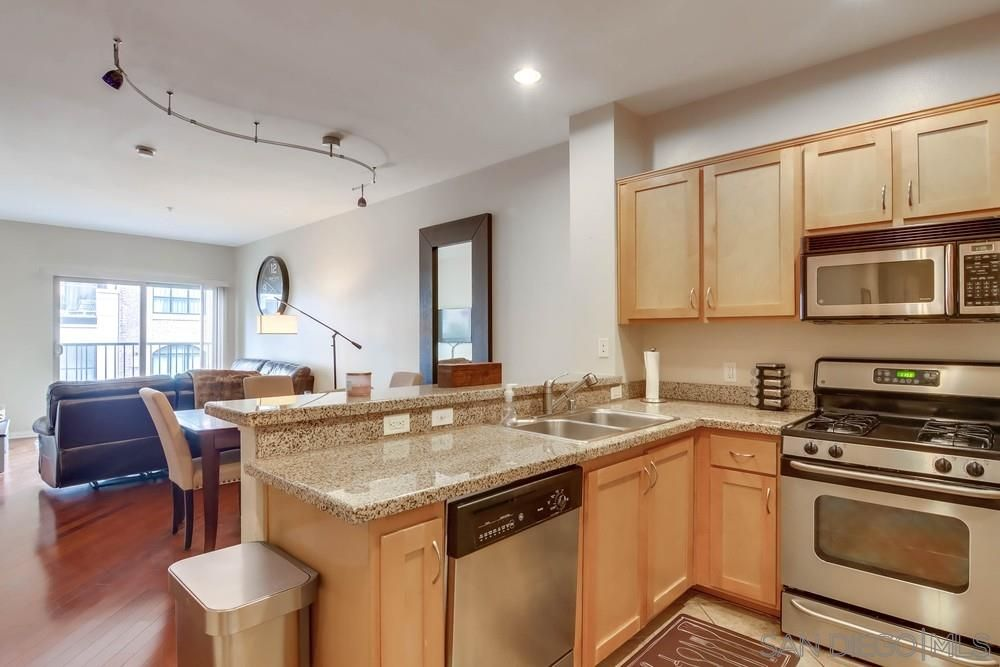 Main Photo: DOWNTOWN Condo for sale : 2 bedrooms : 450 J St #4071 in San Diego