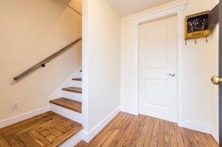 Photo 2: 1896 PATRICIA Avenue in Port Coquitlam: Glenwood PQ 1/2 Duplex for sale : MLS®# R2330564