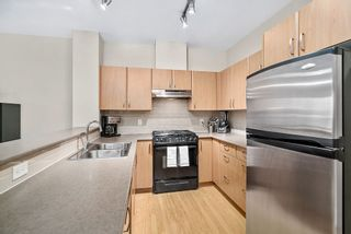 """Photo 3: 402 4723 DAWSON Street in Burnaby: Brentwood Park Condo for sale in """"COLLAGE"""" (Burnaby North)  : MLS®# R2465101"""