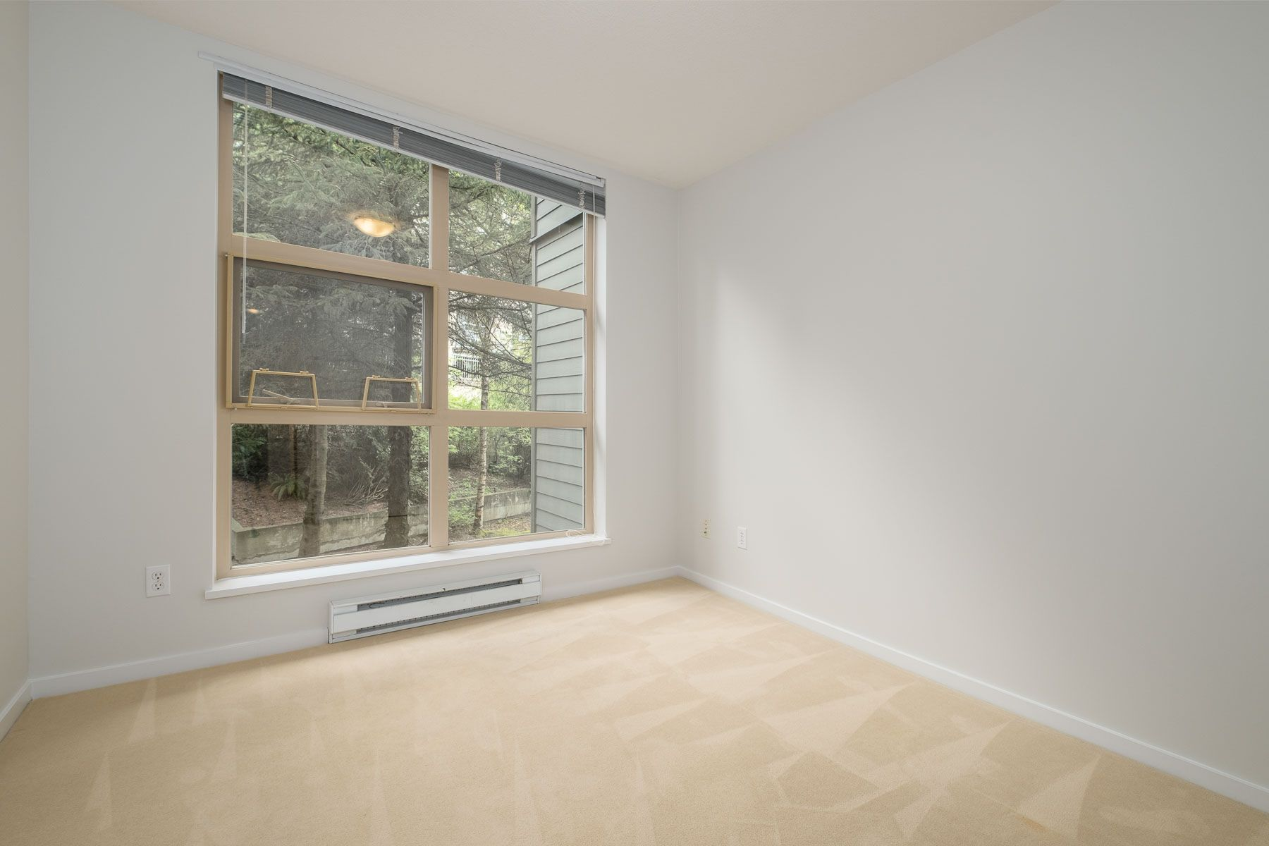 """Photo 20: Photos: 404 9339 UNIVERSITY Crescent in Burnaby: Simon Fraser Univer. Condo for sale in """"HARMONY AT THE HIGHLANDS"""" (Burnaby North)  : MLS®# R2578073"""