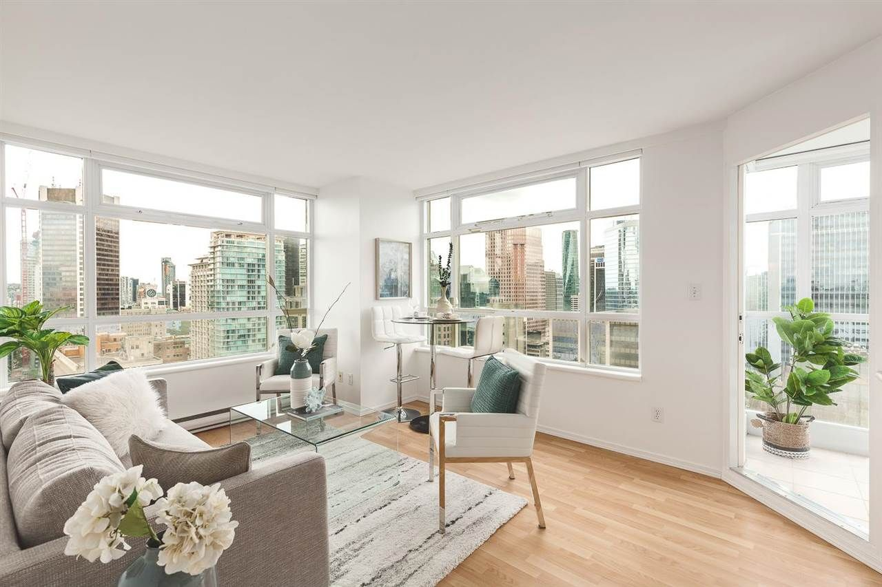 """Main Photo: 2802 438 SEYMOUR Street in Vancouver: Downtown VW Condo for sale in """"The Residences at Conference Plaza"""" (Vancouver West)  : MLS®# R2592278"""