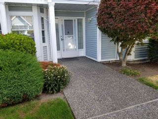 """Main Photo: 507 9123 154 Street in Surrey: Fleetwood Tynehead Townhouse for sale in """"LEXINGTON SQUARE"""" : MLS®# R2612518"""