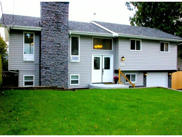 Main Photo: 8182 SUMAC Place in Mission: Mission BC House for sale : MLS®# F1322494