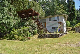 Photo 2: 7072 PORPOISE Drive in Sechelt: Sechelt District House for sale (Sunshine Coast)  : MLS®# R2553985