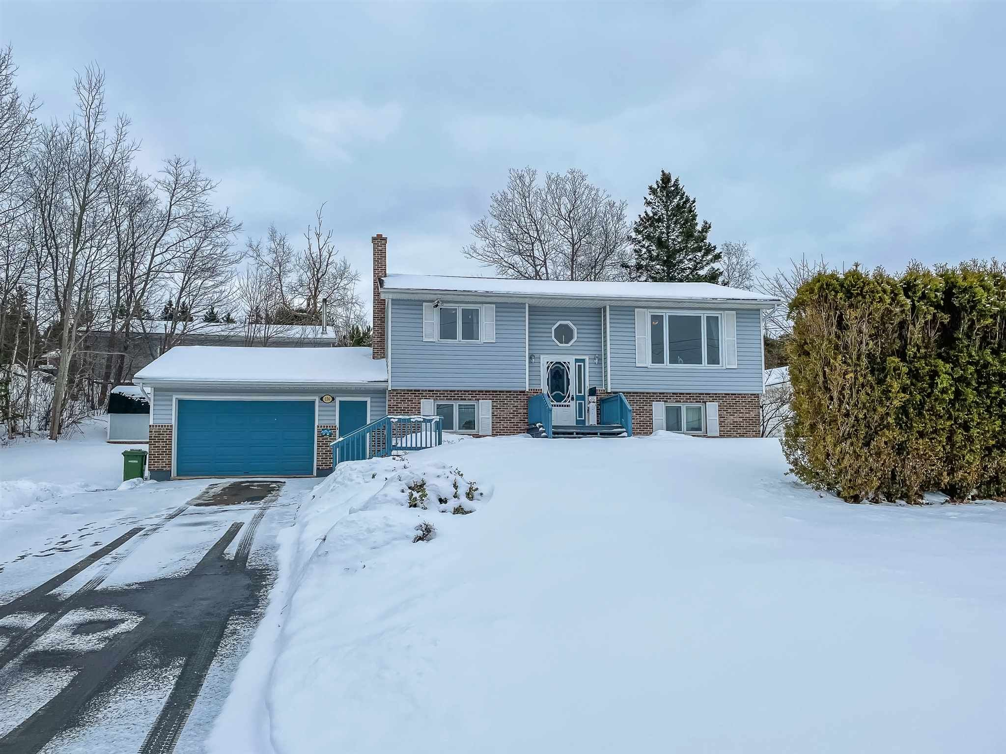 Main Photo: 136 Milne Avenue in New Minas: 404-Kings County Residential for sale (Annapolis Valley)  : MLS®# 202101492