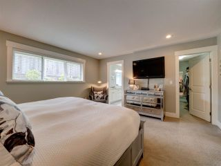 """Photo 12: 5533 PEREGRINE Crescent in Sechelt: Sechelt District House for sale in """"Silverstone Heights"""" (Sunshine Coast)  : MLS®# R2397737"""