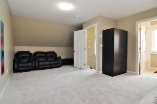 """Photo 20: 39 7298 199A Street in Langley: Willoughby Heights Townhouse for sale in """"York"""" : MLS®# R2542570"""