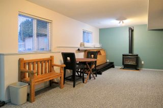 """Photo 17: 18343 68 Avenue in Surrey: Cloverdale BC House for sale in """"Cloverwoods"""" (Cloverdale)  : MLS®# R2441662"""