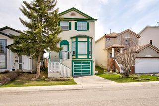 Photo 2: 129 Martinpark Way NE in Calgary: Martindale Detached for sale : MLS®# A1105231
