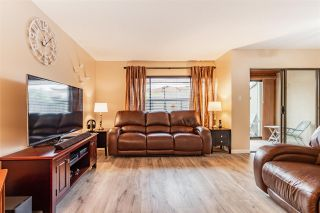 """Photo 3: 68 5850 177B Street in Surrey: Cloverdale BC Townhouse for sale in """"DOGWOOD GARDEN"""" (Cloverdale)  : MLS®# R2584104"""