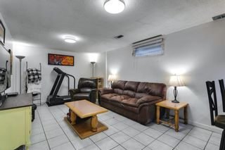Photo 33: 2304 54 Avenue SW in Calgary: North Glenmore Park Detached for sale : MLS®# A1102878