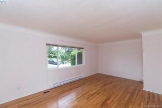 Photo 4: 4546 Markham St in VICTORIA: SW Beaver Lake House for sale (Saanich West)  : MLS®# 833835